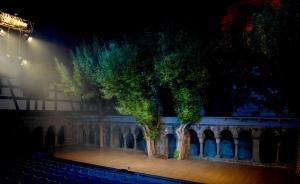 Goethes Faust steht im Jubiläumsjahr im Zentrum der Kreuzgangspiele – begannen doch diese vor 70 Jahren mit diesem Stück Welttheater.