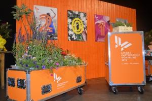 """Ausgestattet von der Gärtnerei Hupp, touren  die mobilen """"Pop-Up-Gärten"""" der Landesgartenschau das ganze Jahr über von Event zu Event, um auf das Großereignis, das Würzburg bevorsteht, aufmerksam zu machen. Info: www.lgs2018-wuerzburg.de"""