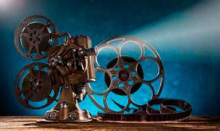 """""""Alfred Hitchcock definierte die Erfolgsaussichten eines Films mit den Worten: 'Je besser der Bösewicht, desto besser der Film.' Wagen Sie den Eigenversuch"""", sagt Jochem Larsen."""