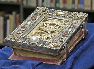 Zu den Buch-Preziosen zählt das kostbare Kiliansevangeliar.