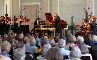 """Konzert mit dem Festspielorchester """"il Gusto Barocco"""" (Foto: Bachwoche Ansbach/Holger Schneider)"""