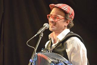 Dialekt ist ein wichtiges Kulturgut: David Saam hat seine 9000 Euro Preisgeld gut investiert. Foto: N. Oppelt
