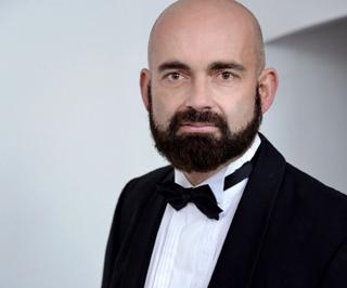 Unter dem musikalischen Leiter Heiko Lippmann entfaltet die bezaubernde Gershwin-Hommage ihren besonderen Charme nun auch in Deutschland.