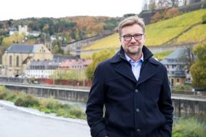 Tradition sei nicht die Anbetung der Asche, sondern die Weitergabe der Flamme, schließt sich Achim Könneke, Würzburgs neuer Kulturreferent, dem Humanisten Thomas Morus an.